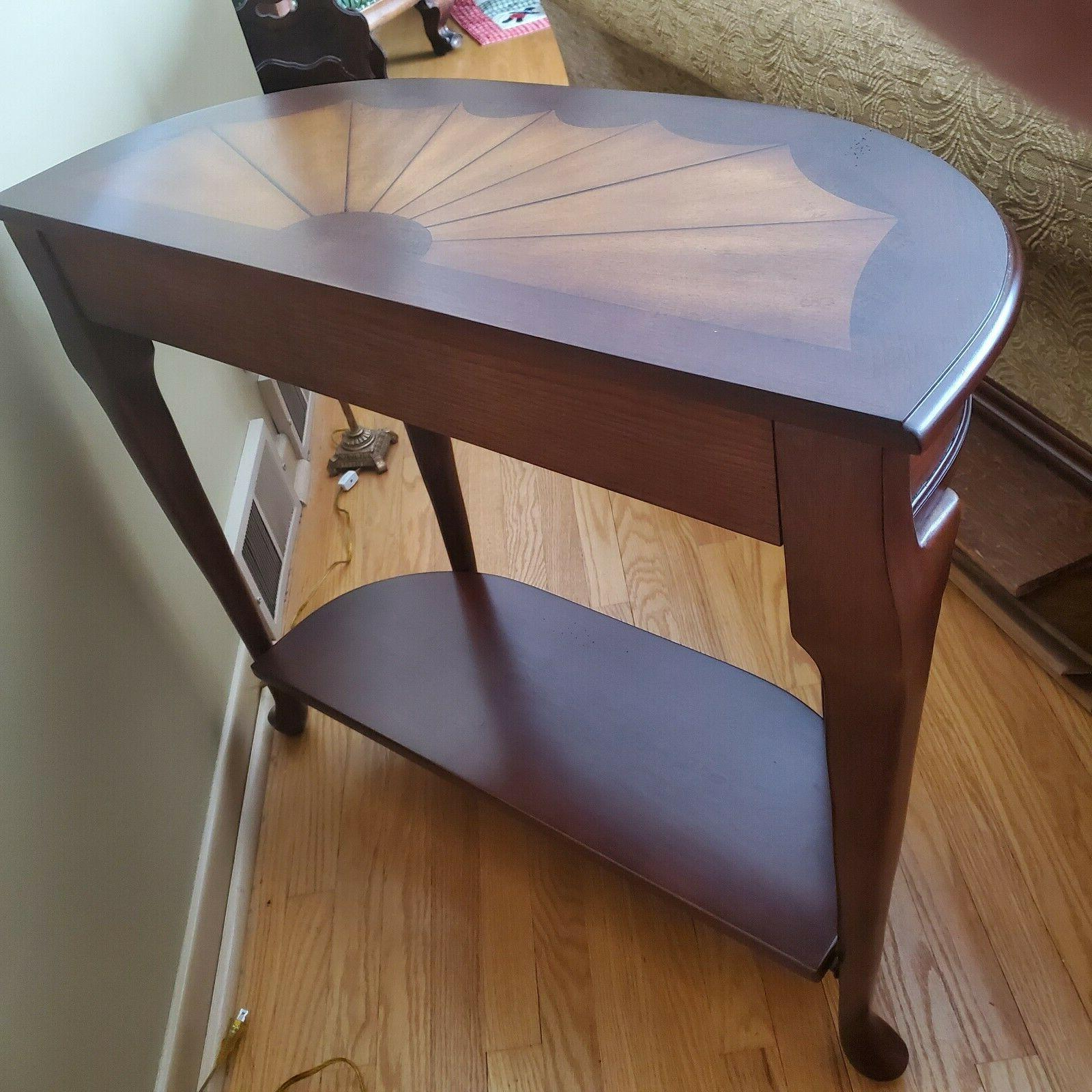 Butler Cherrywood Demilune-Console Pay