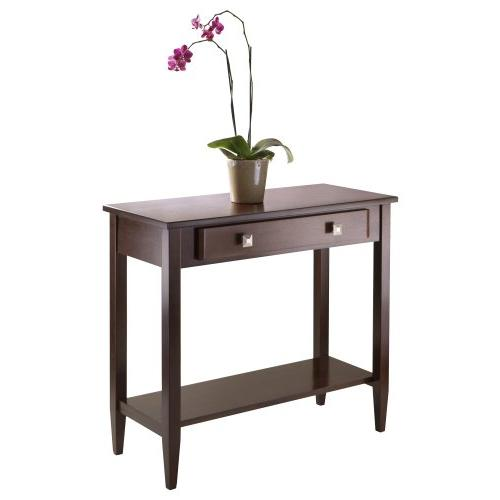 Winsome Richmond Table with Tapered