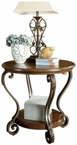 Signature Design by Ashley - Nestor Traditional End Table, M